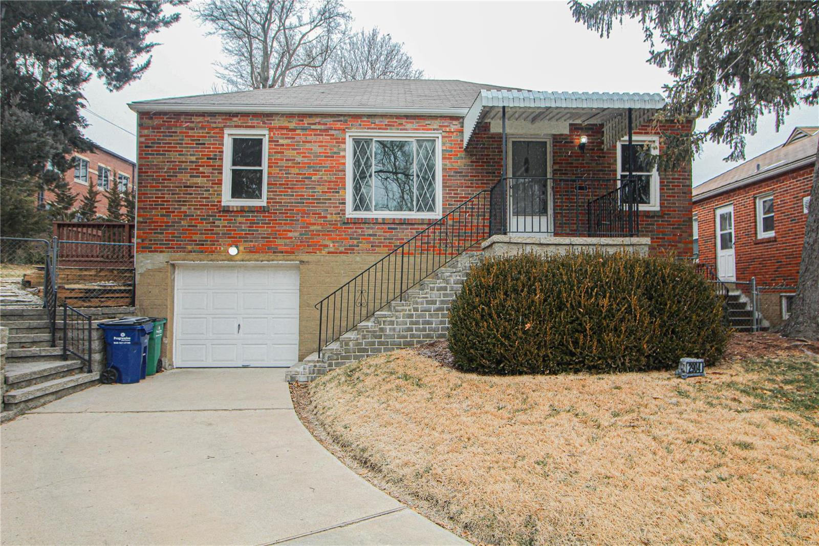 2904 Wingate Court Property Photo - Rock Hill, MO real estate listing
