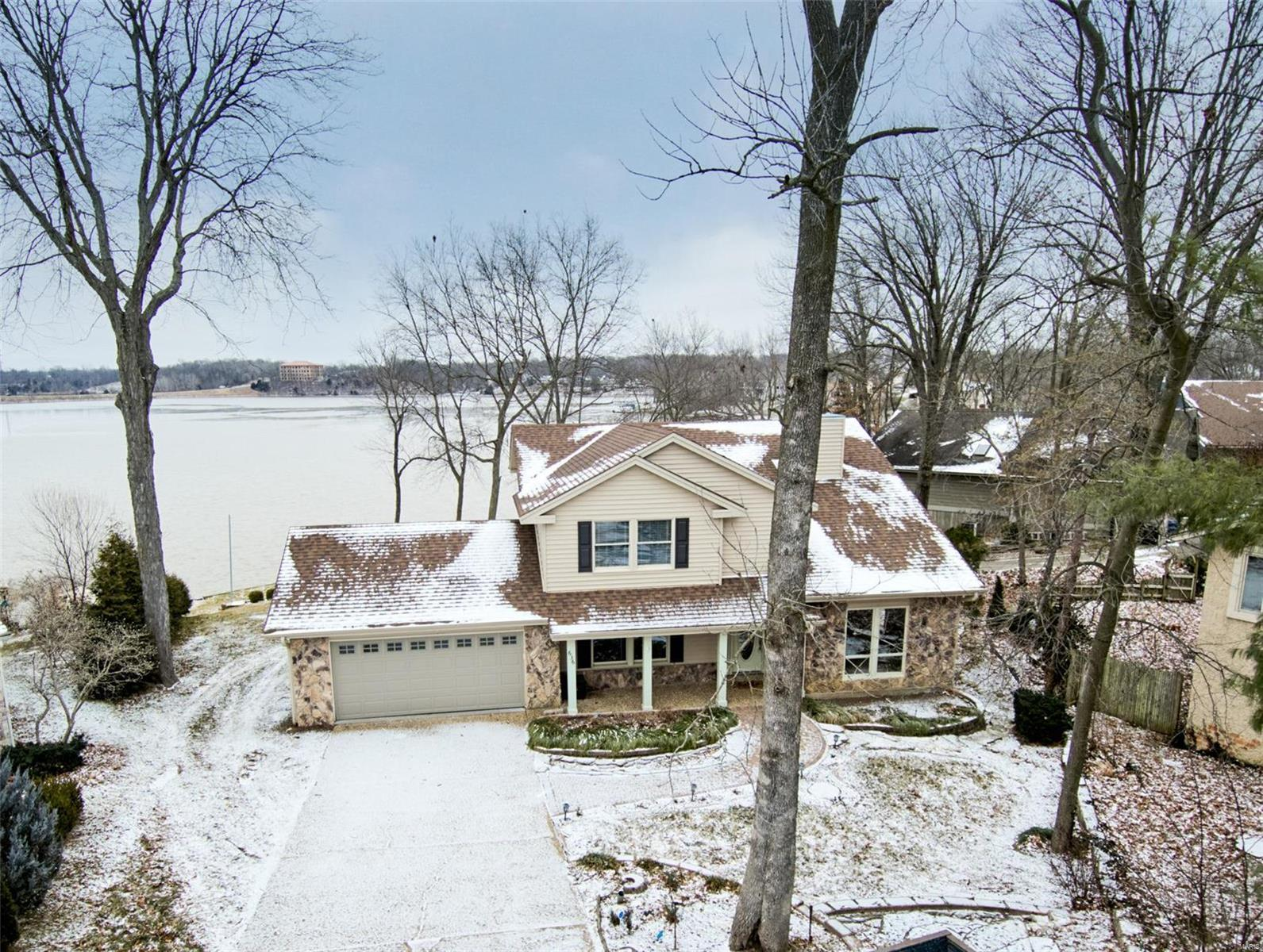 636 Woodchuck Lane Property Photo - Lake St Louis, MO real estate listing