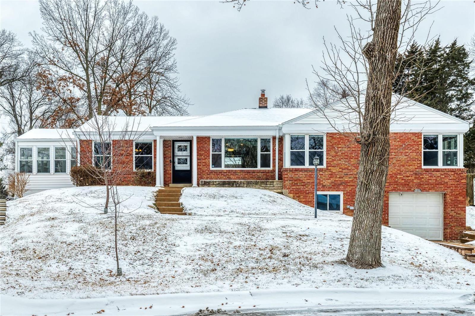 8768 West Kingsbury Avenue Property Photo - University City, MO real estate listing