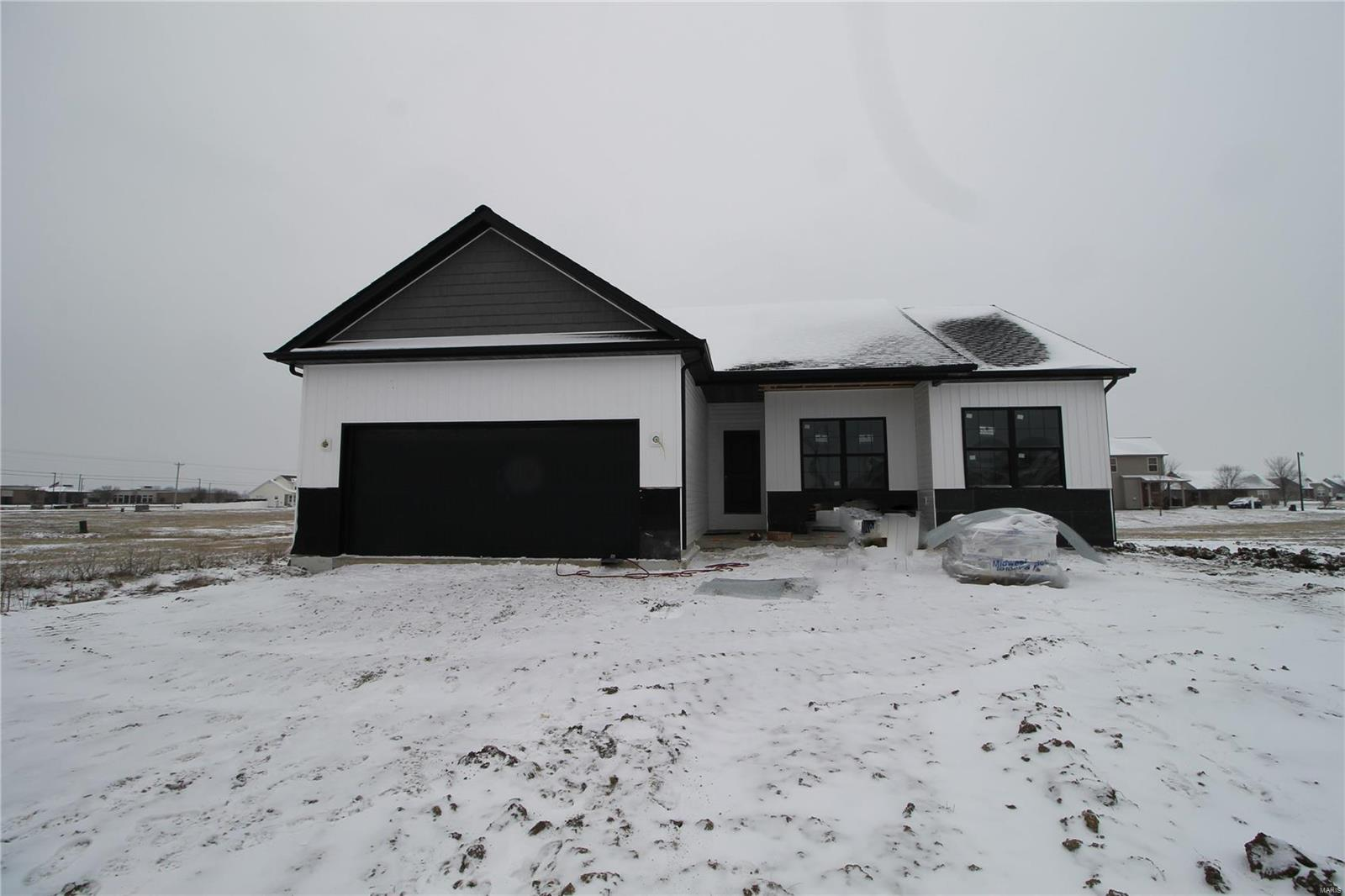 45 Black Wolf Property Photo - Highland, IL real estate listing