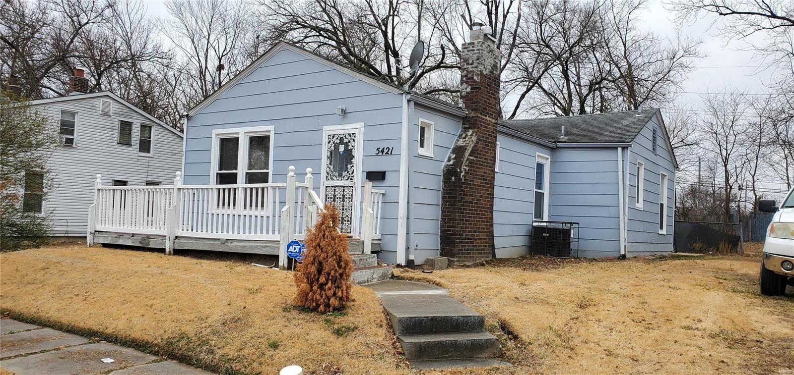 5421 Janet Avenue Property Photo - Jennings, MO real estate listing