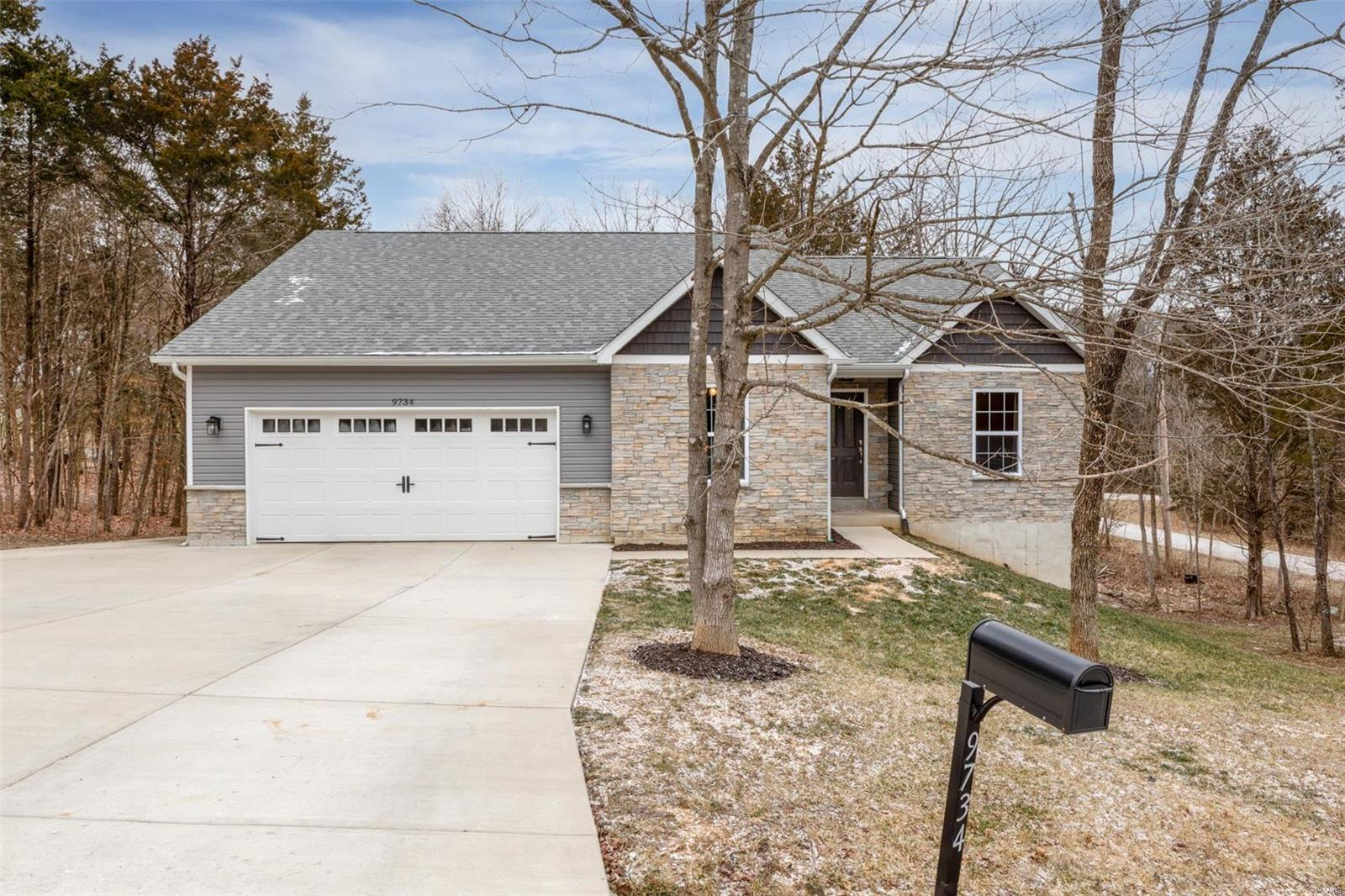 9734 Cedar Drive Property Photo - Hillsboro, MO real estate listing
