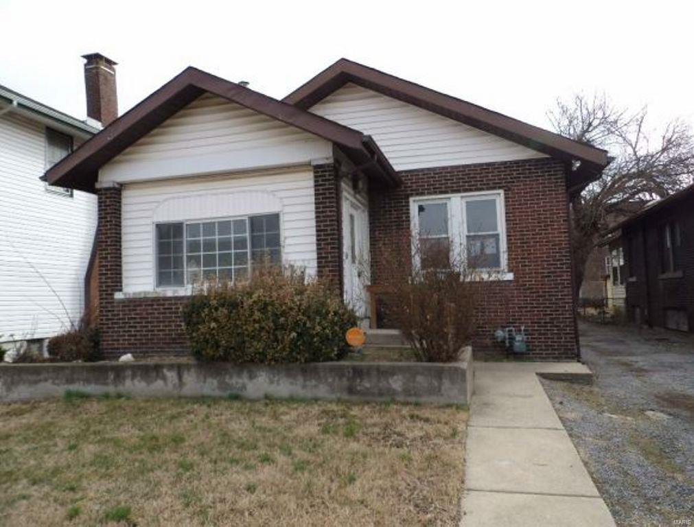428 Gray Boulevard Property Photo - East St Louis, IL real estate listing