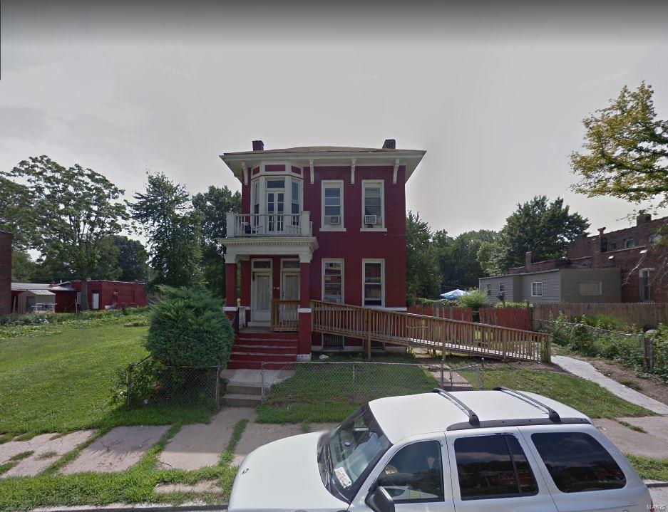 1966 E Warne Avenue Property Photo - St Louis, MO real estate listing