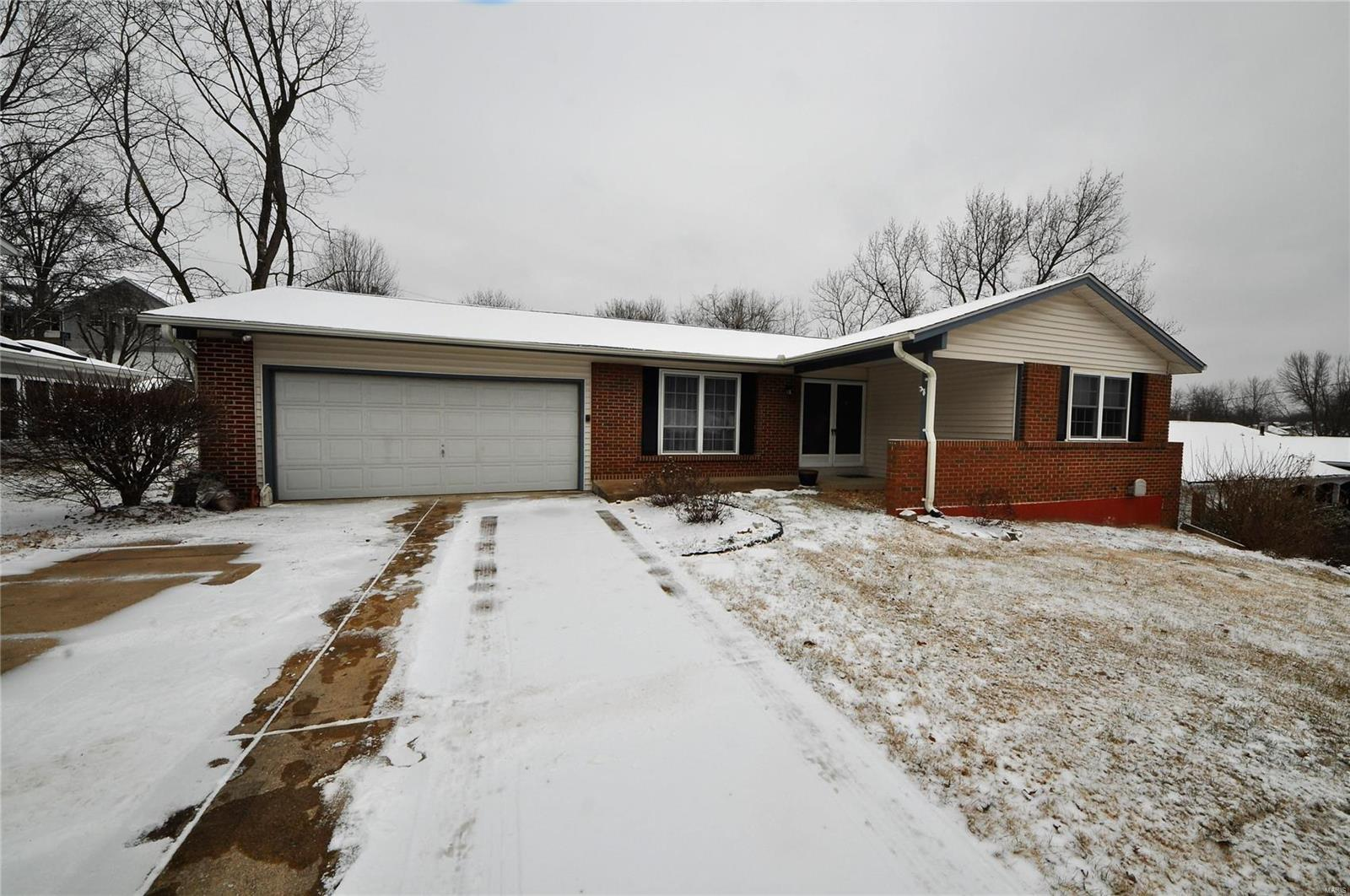 12040 Chaparral Drive Property Photo - Bridgeton, MO real estate listing