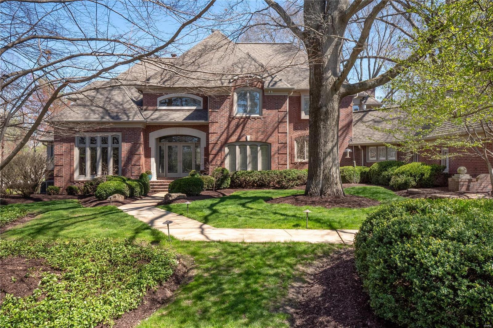 110 Ladue Woods Estates Drive Property Photo