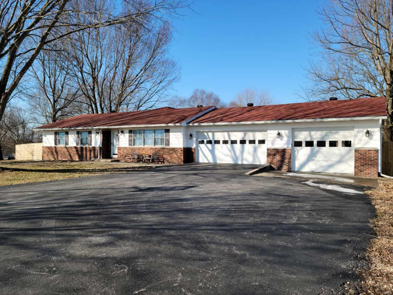 62906 Real Estate Listings Main Image