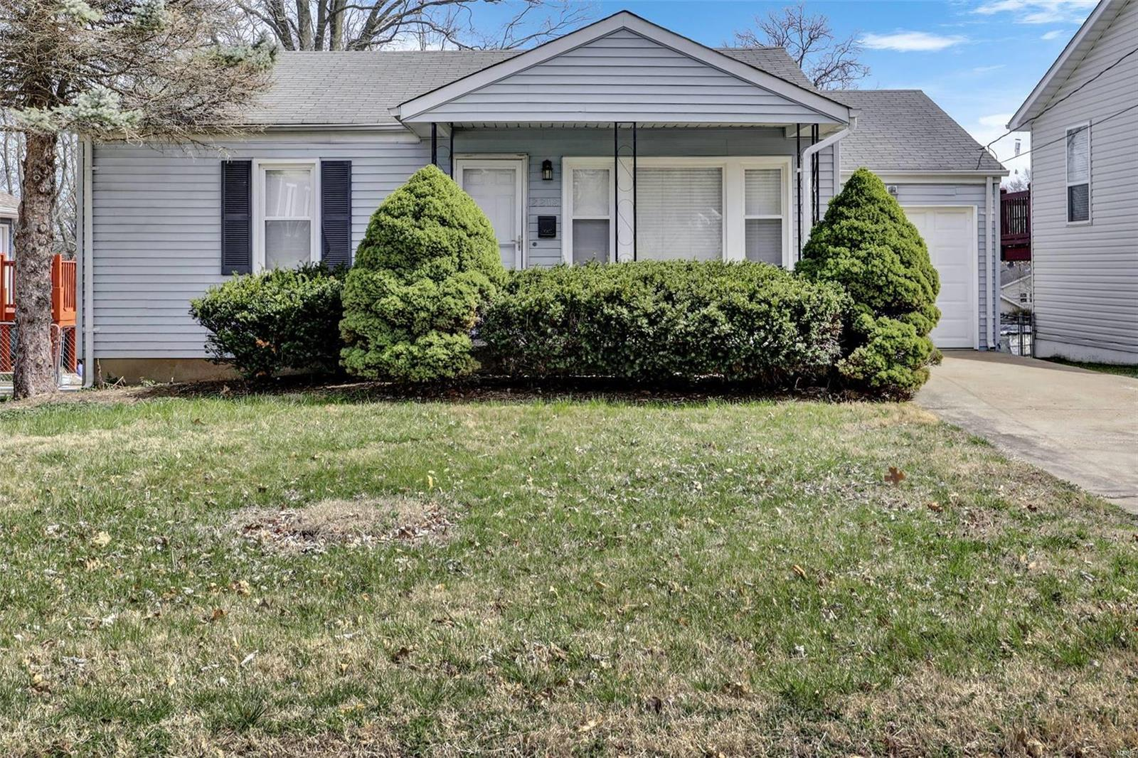 2212 Burns Property Photo - Overland, MO real estate listing
