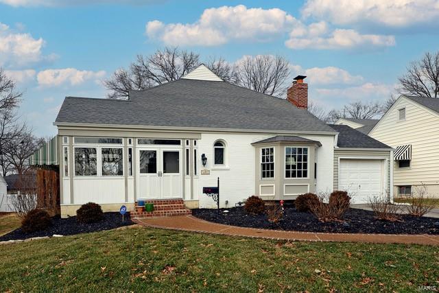 627 Norfolk Drive Property Photo - Kirkwood, MO real estate listing