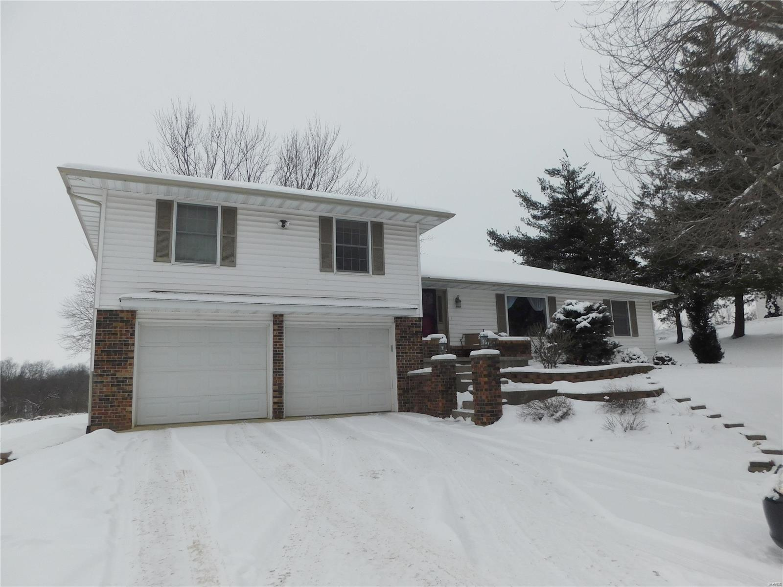 375 Head Lane Property Photo - Hannibal, MO real estate listing