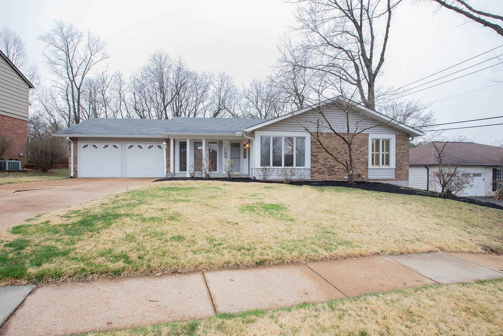 1449 Timberwood Lane Property Photo - St Louis, MO real estate listing