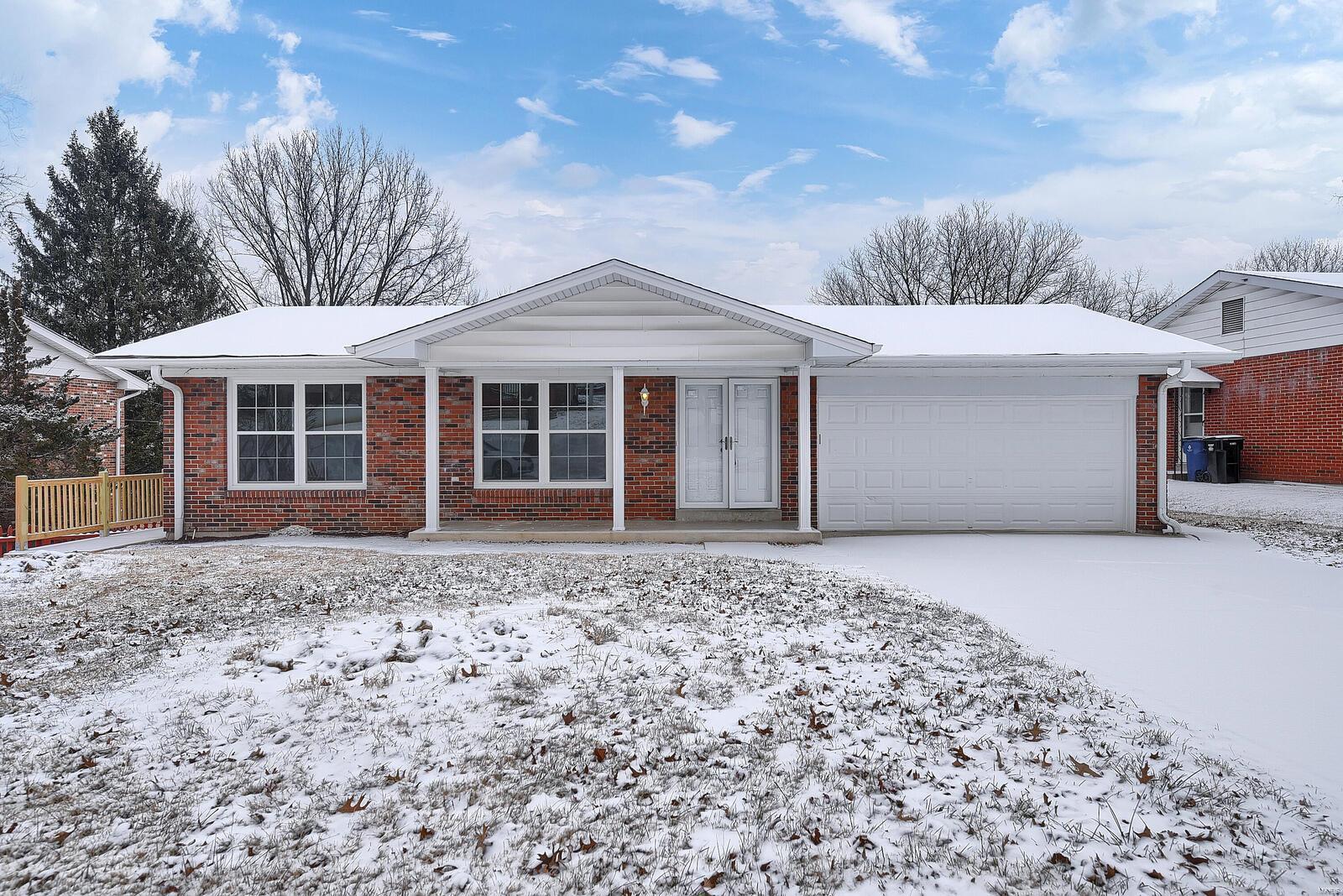 11570 Fox Hall Lane Property Photo - Florissant, MO real estate listing