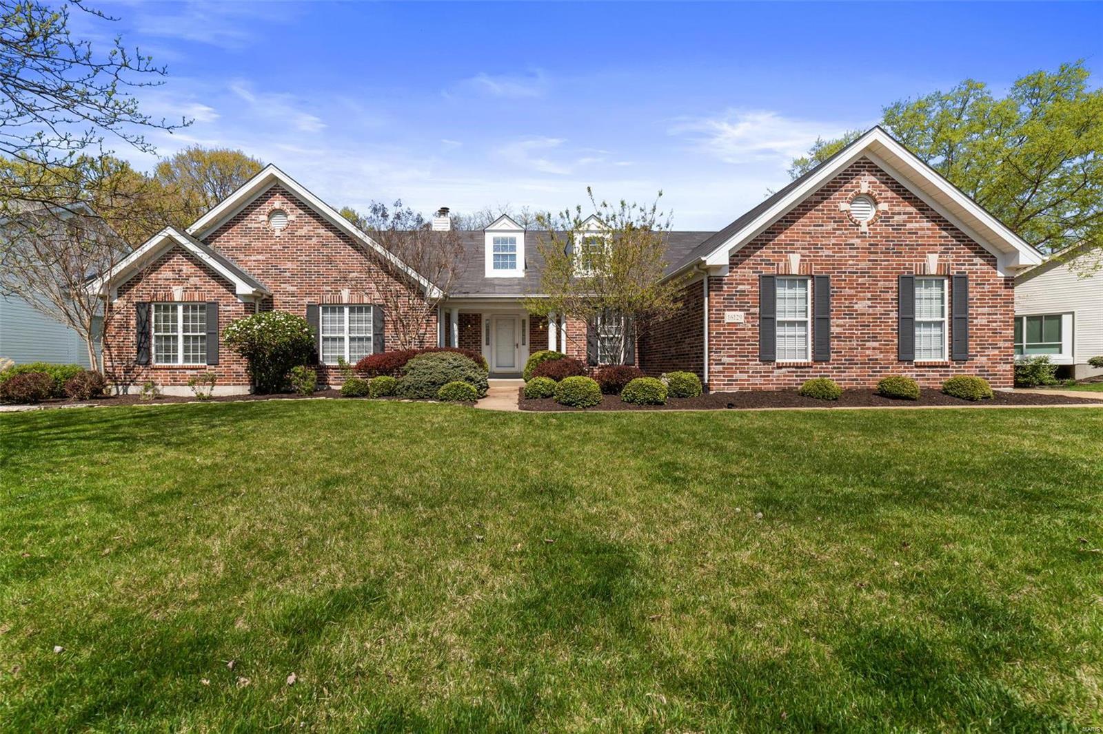 16129 Pine Terrace Drive Property Photo - Ballwin, MO real estate listing