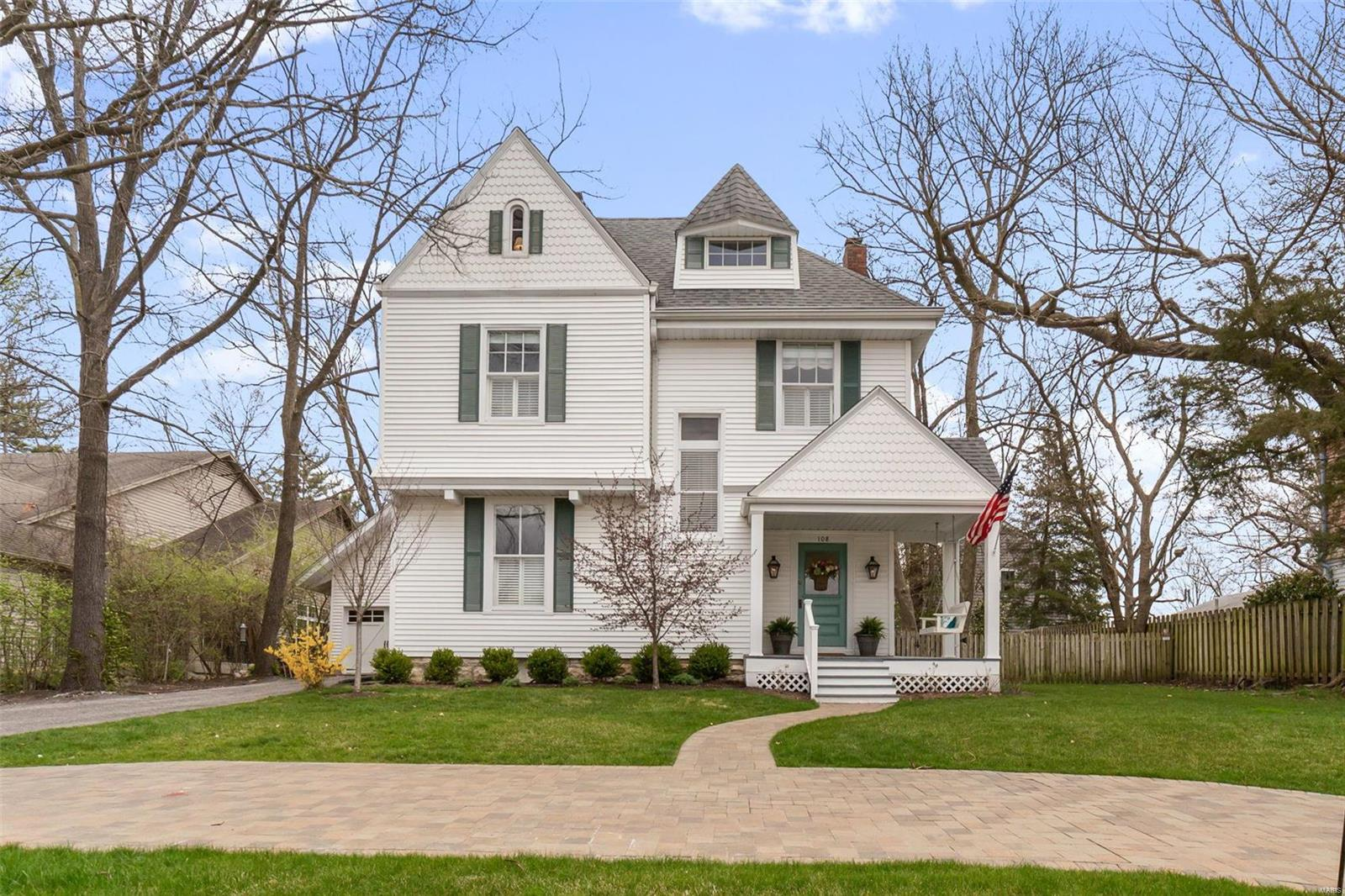 108 N Taylor Property Photo - Kirkwood, MO real estate listing