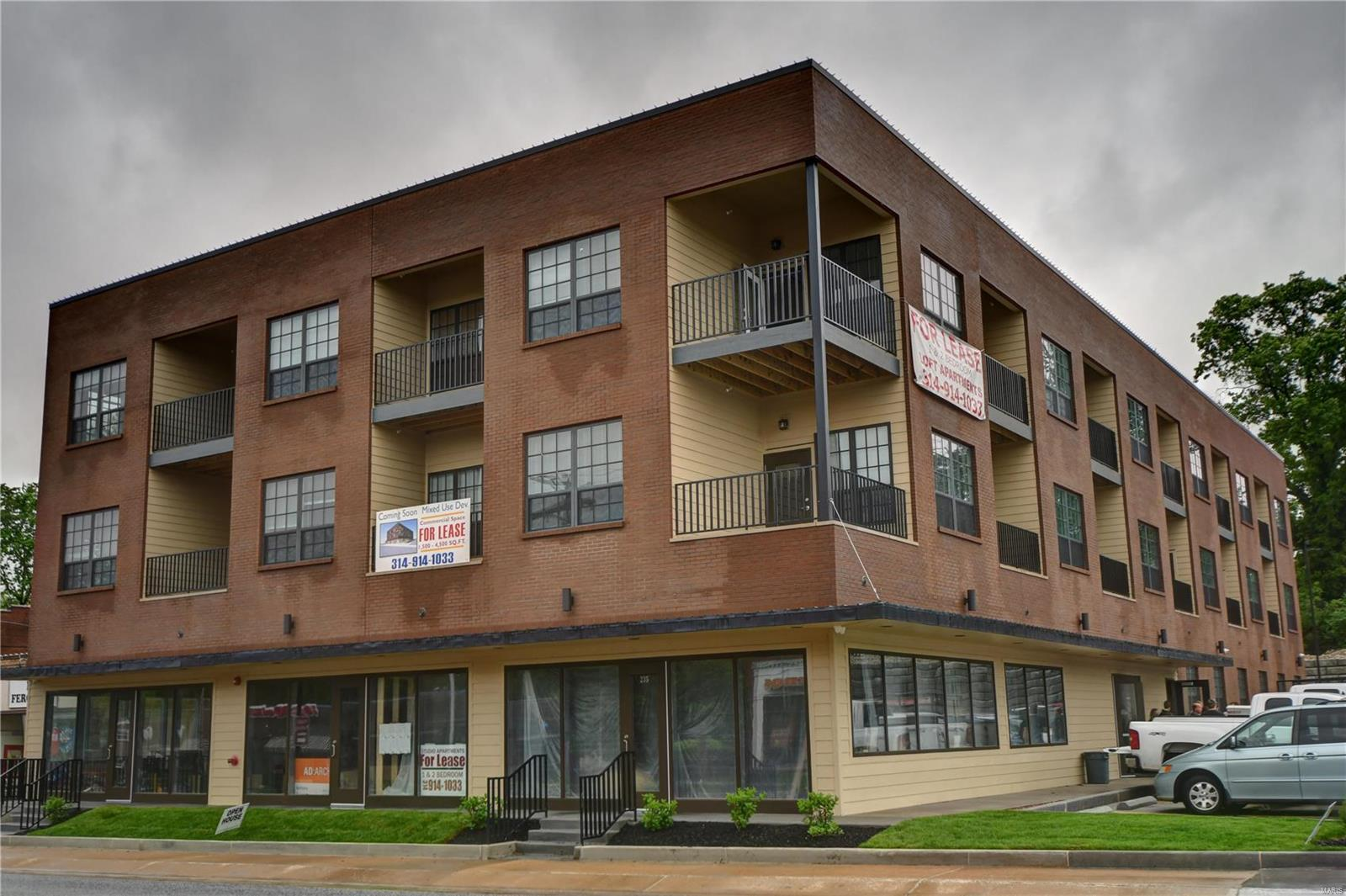 257 S FLORISSANT Road #323 Property Photo - Ferguson, MO real estate listing