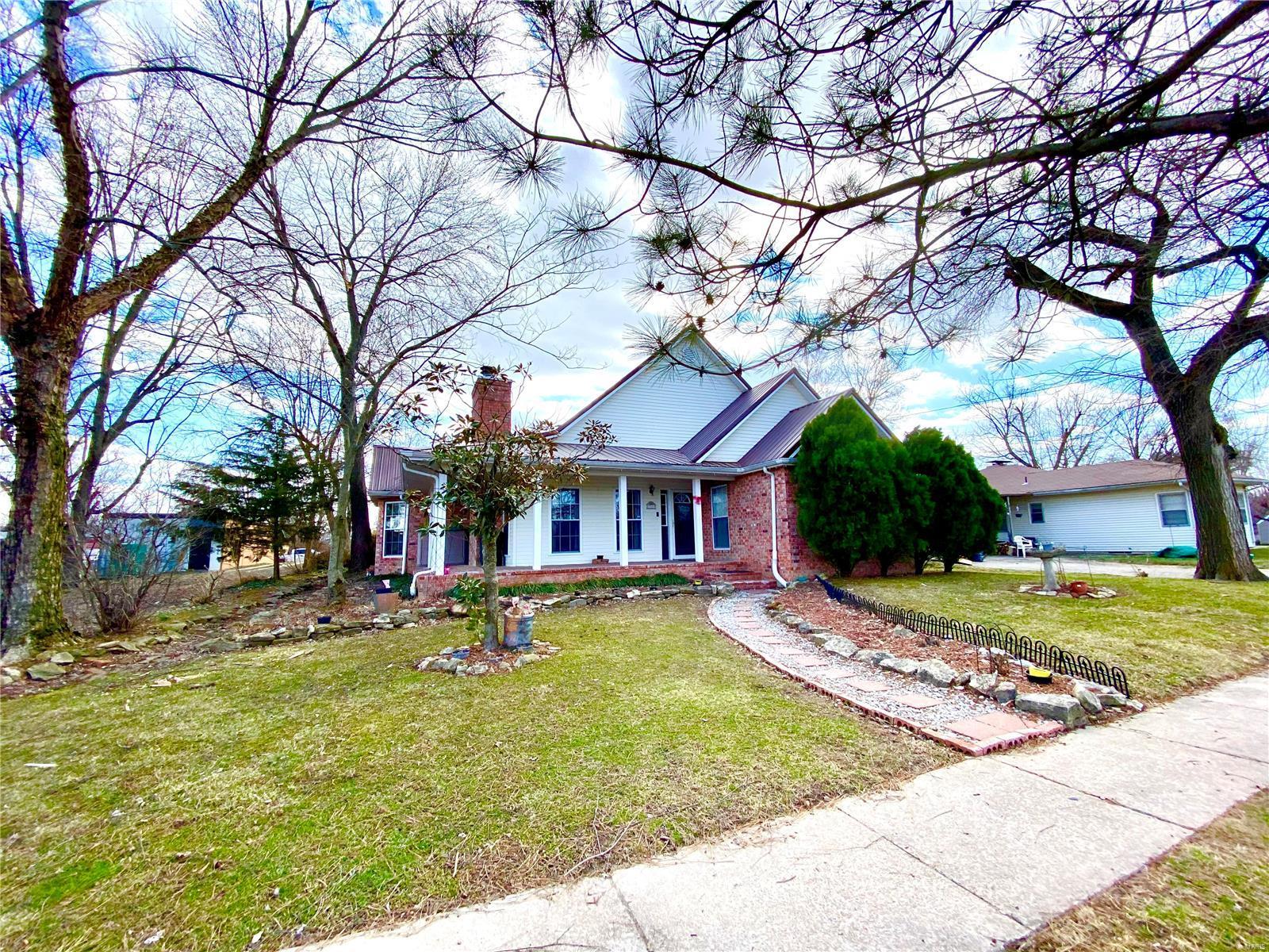 311 W 3rd Street Property Photo - Dixon, MO real estate listing