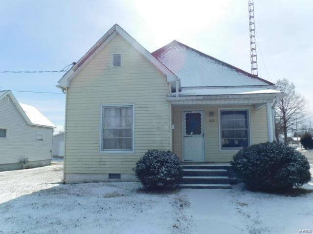 212 Helen Avenue Property Photo - Christopher, IL real estate listing