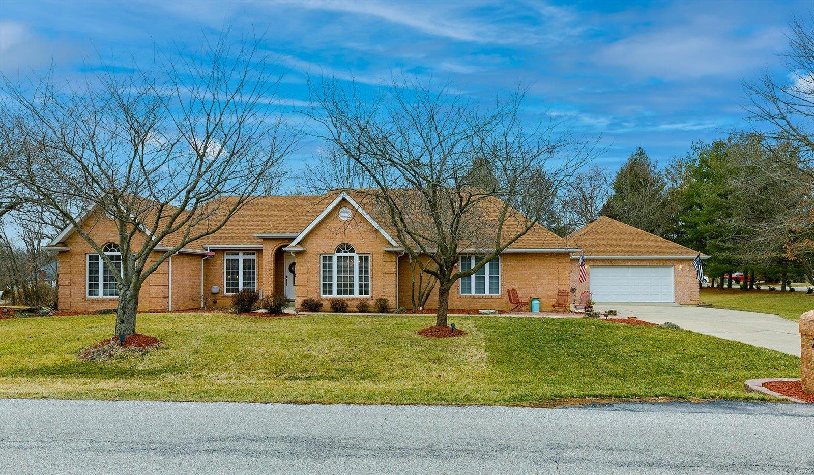 2 Lindenwood Drive Property Photo - Collinsville, IL real estate listing