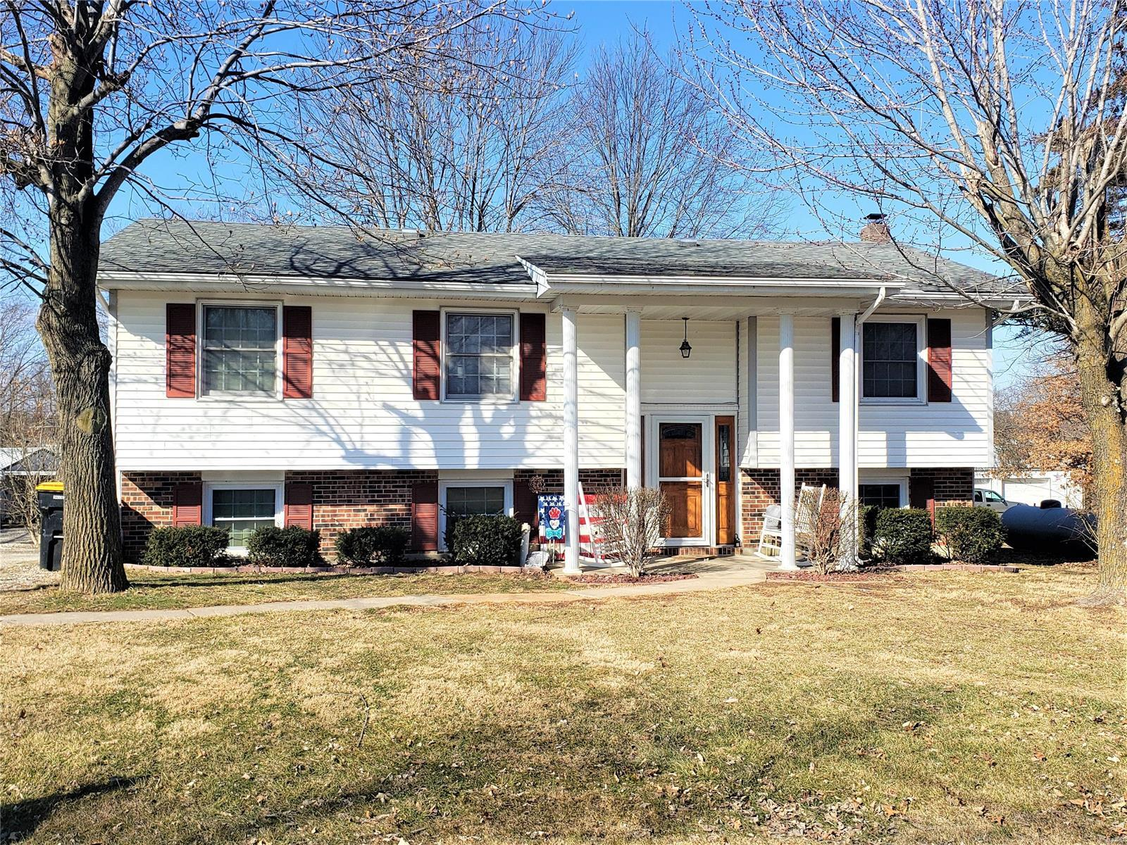 805 Elaine Property Photo - Fulton, MO real estate listing