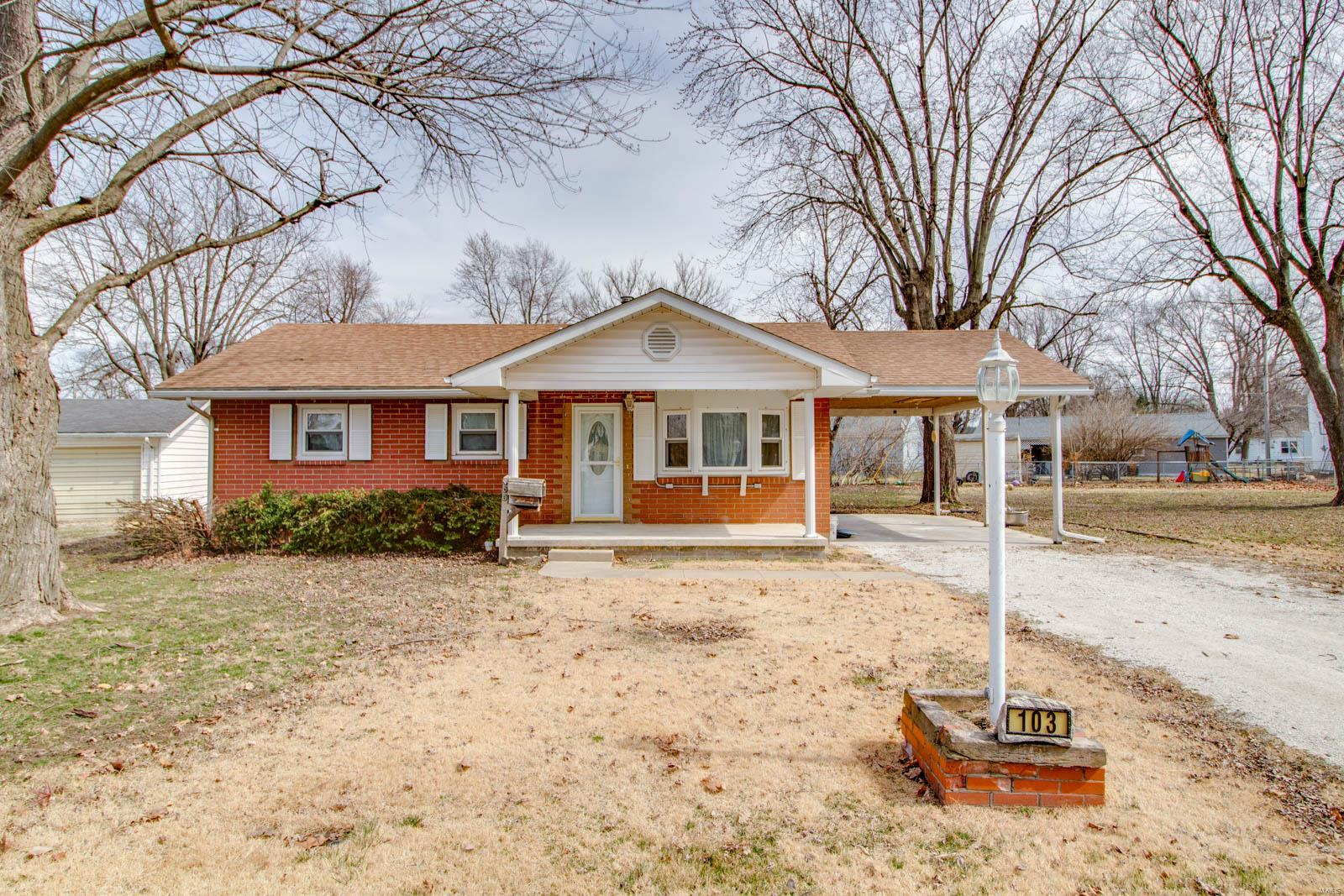 103 Circle Drive Property Photo - Jerseyville, IL real estate listing