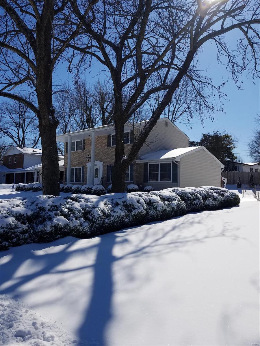 12546 Sunview Property Photo - St Louis, MO real estate listing