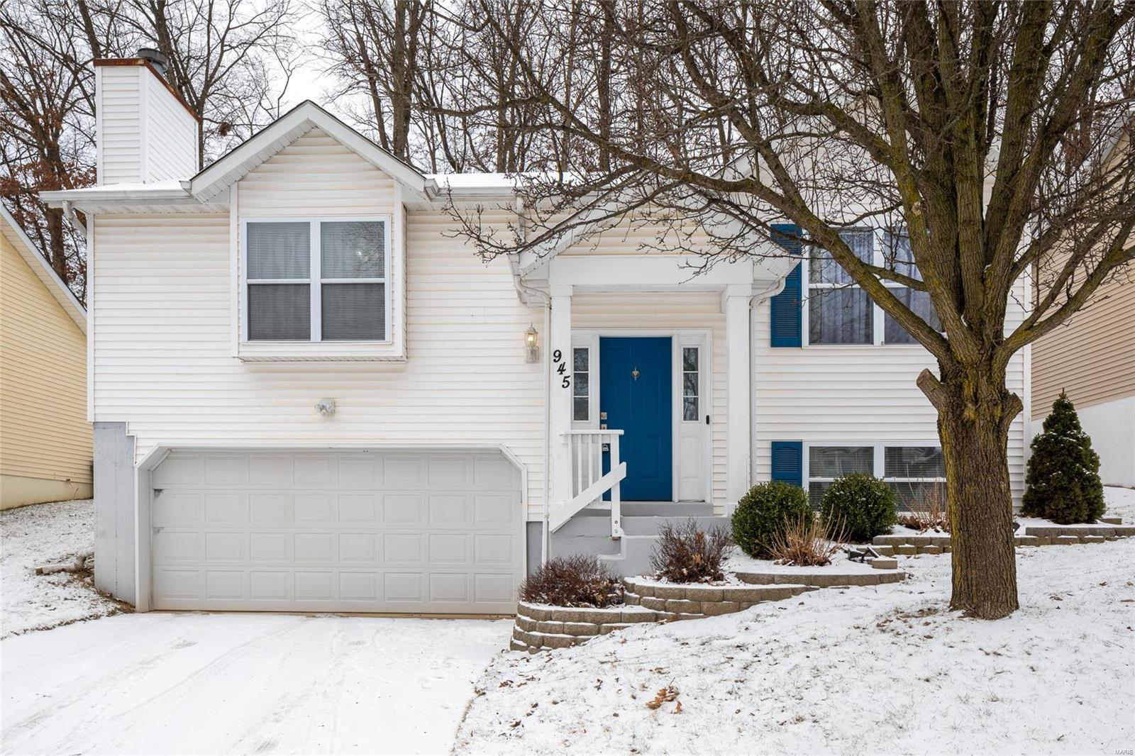 945 Wynstay Circle Property Photo - Valley Park, MO real estate listing