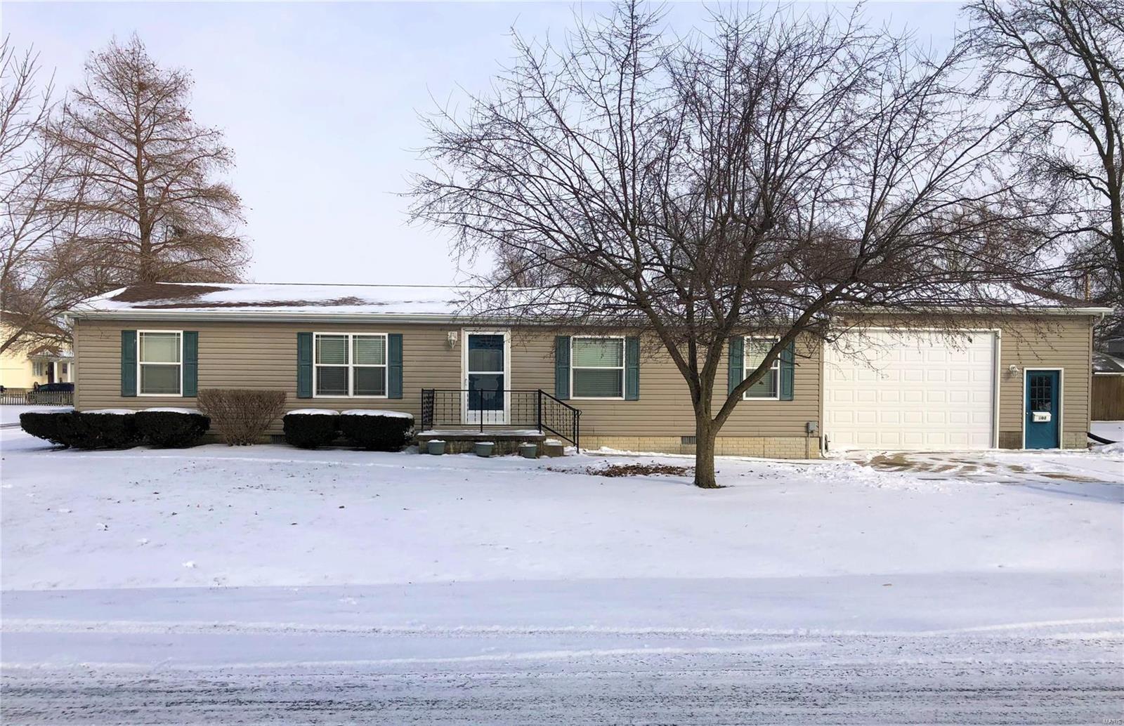 502 8th Street Property Photo - Carrollton, IL real estate listing