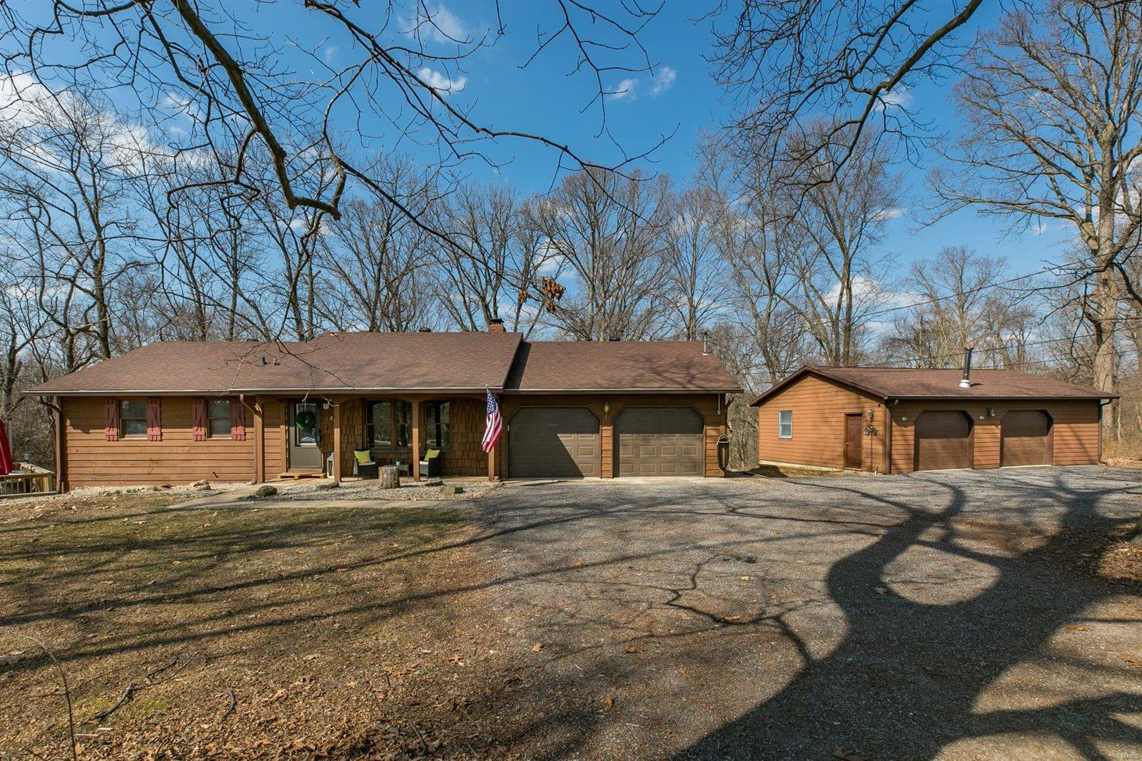 275 Edding Lane Property Photo - Fairview Heights, IL real estate listing