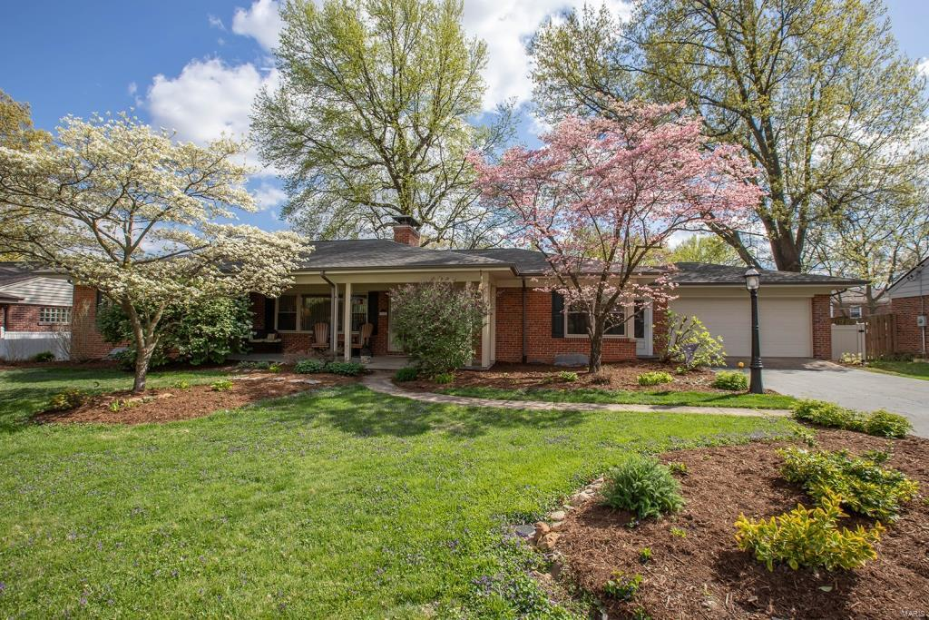 20 Whitehall Court Property Photo - Brentwood, MO real estate listing