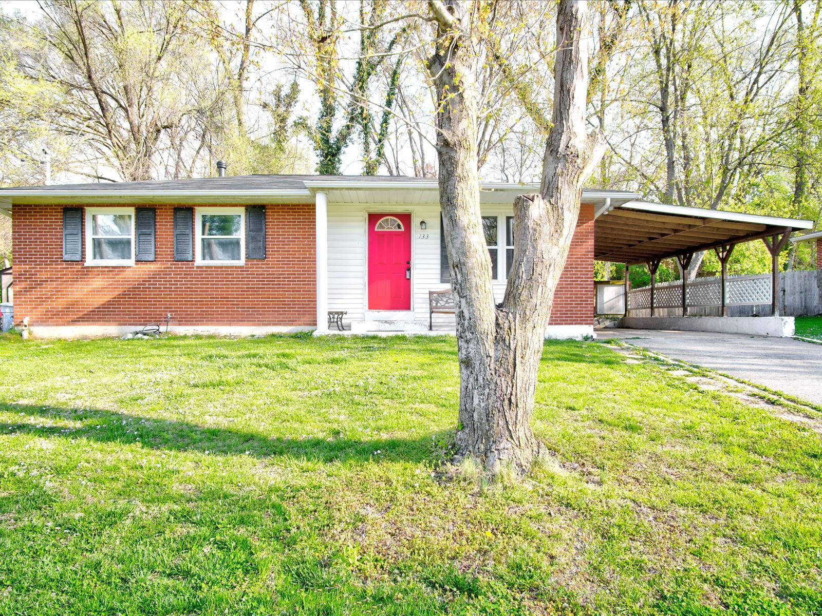 133 Ridgemoor Property Photo - Glen Carbon, IL real estate listing