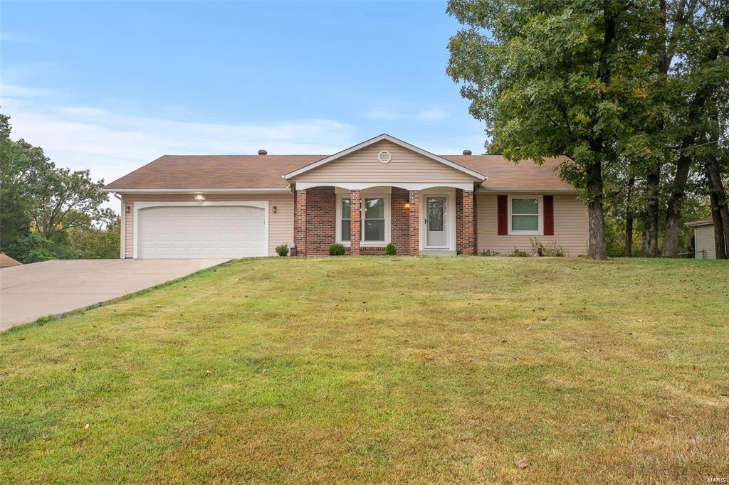 859 Woodland Hills Drive Property Photo - Robertsville, MO real estate listing