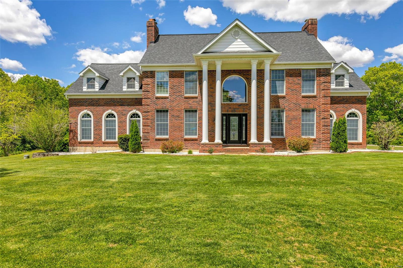 7933 White Tail Circle Property Photo - Waterloo, IL real estate listing