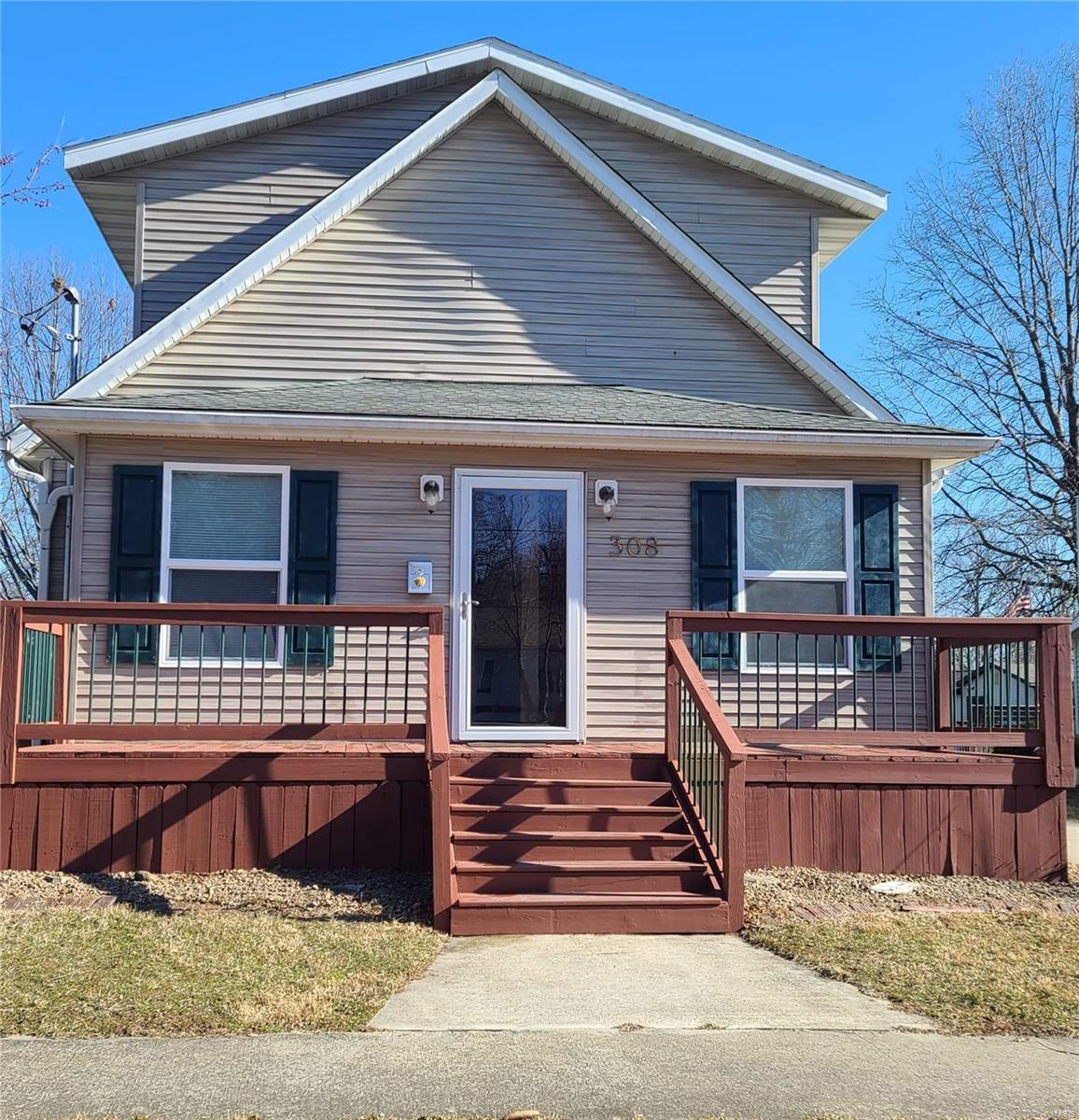 308 S Hickory St Property Photo - Pana, IL real estate listing