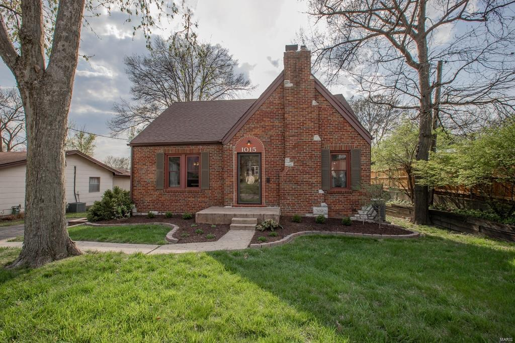 1015 S Rock Hill Road Property Photo - Webster Groves, MO real estate listing