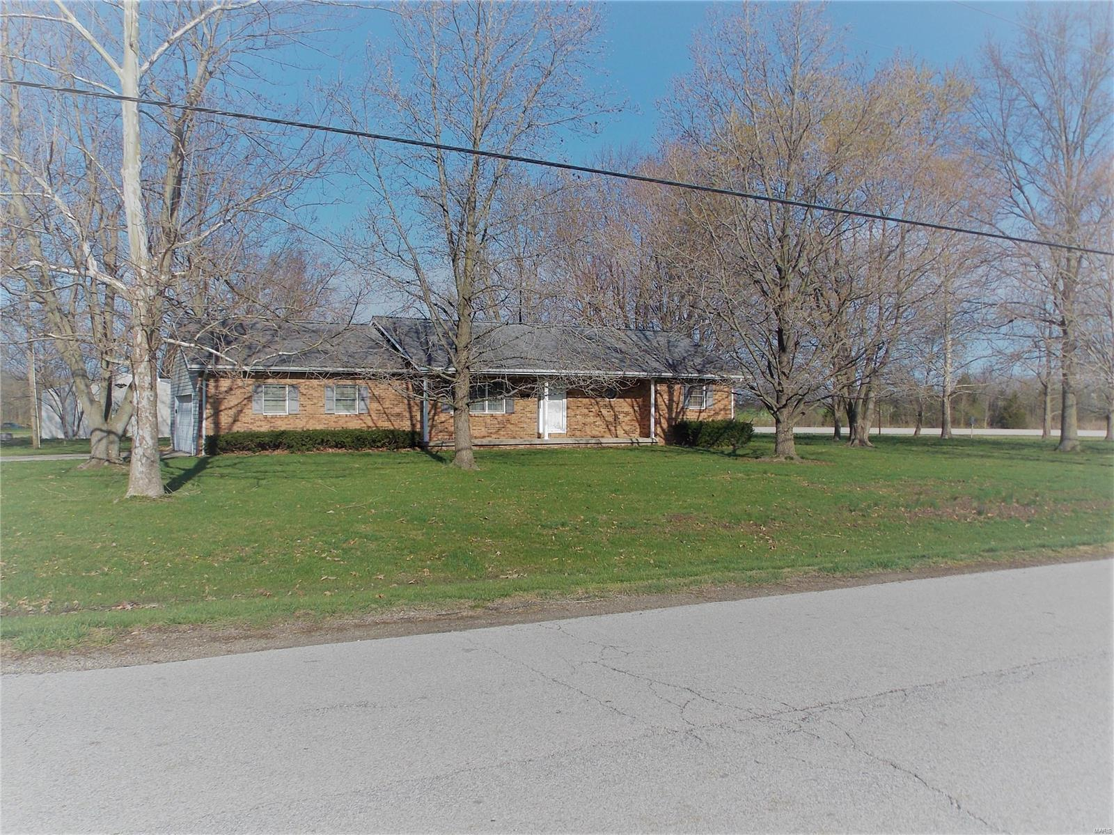 2736 Webster Creek Road Property Photo - Centralia, IL real estate listing