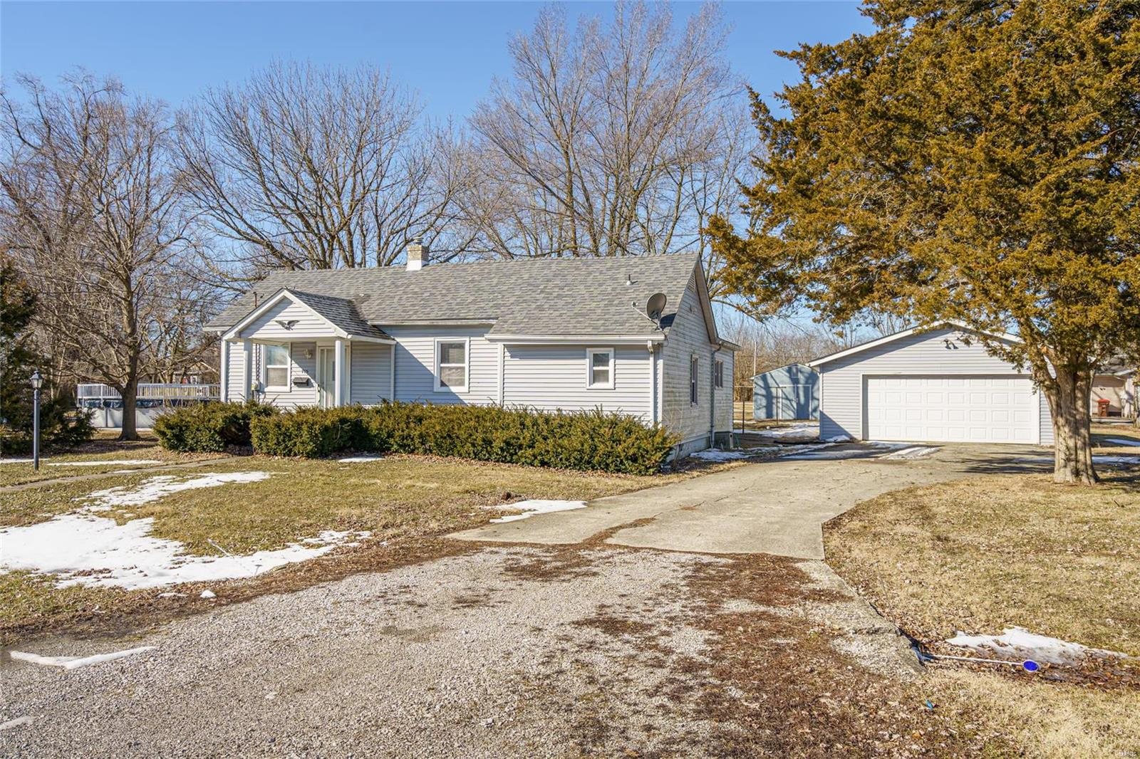 715 N Fourth Property Photo - Benld, IL real estate listing