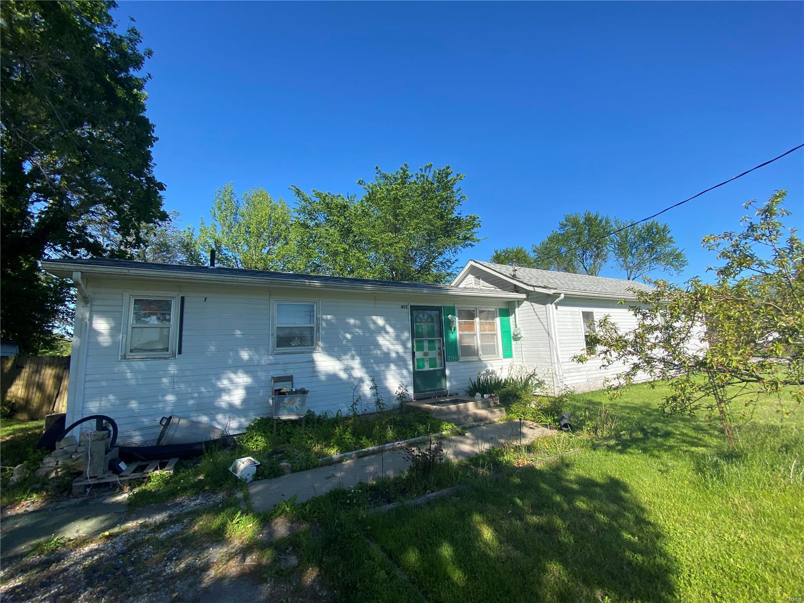 402 N Railroad Street Property Photo - New Florence, MO real estate listing