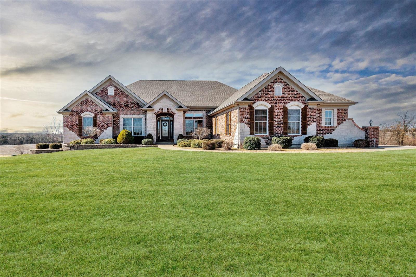 135 Auburn Meadow Drive Property Photo - Foristell, MO real estate listing