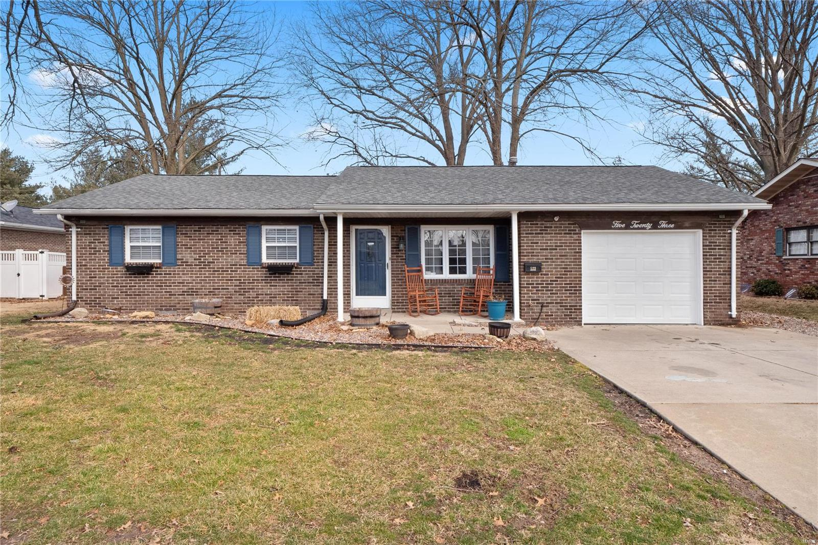 523 W Parkview Drive Property Photo - Millstadt, IL real estate listing