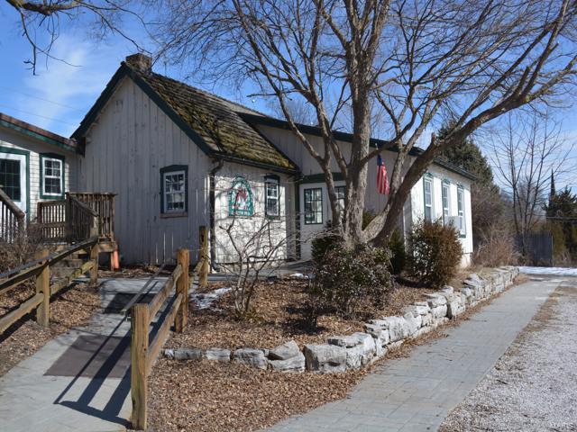4960 Parker Property Photo - Black Jack, MO real estate listing