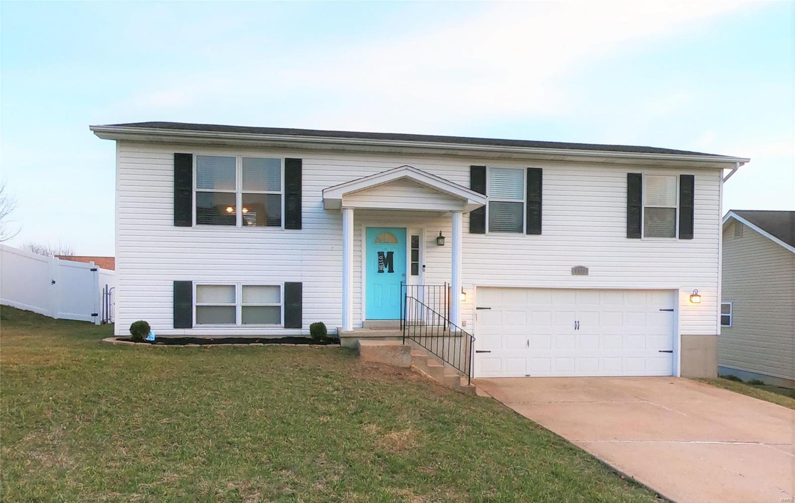 1122 Peach Blossom Drive Property Photo - Arnold, MO real estate listing