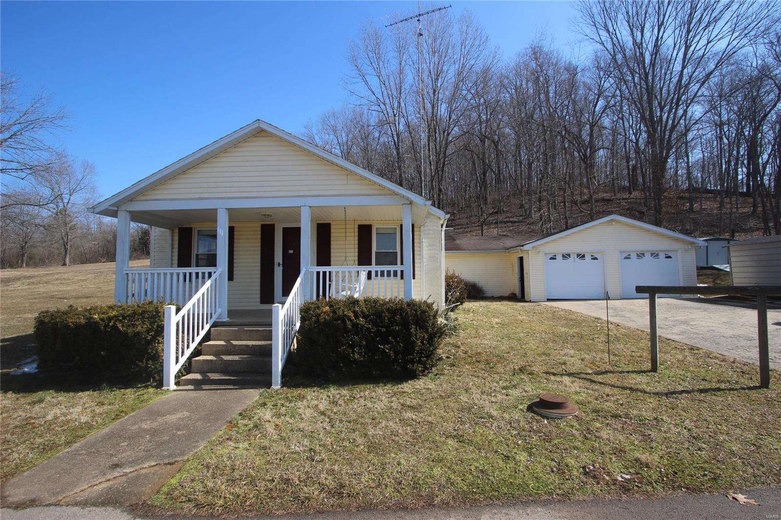 411 S Whitener Street Property Photo - Marquand, MO real estate listing