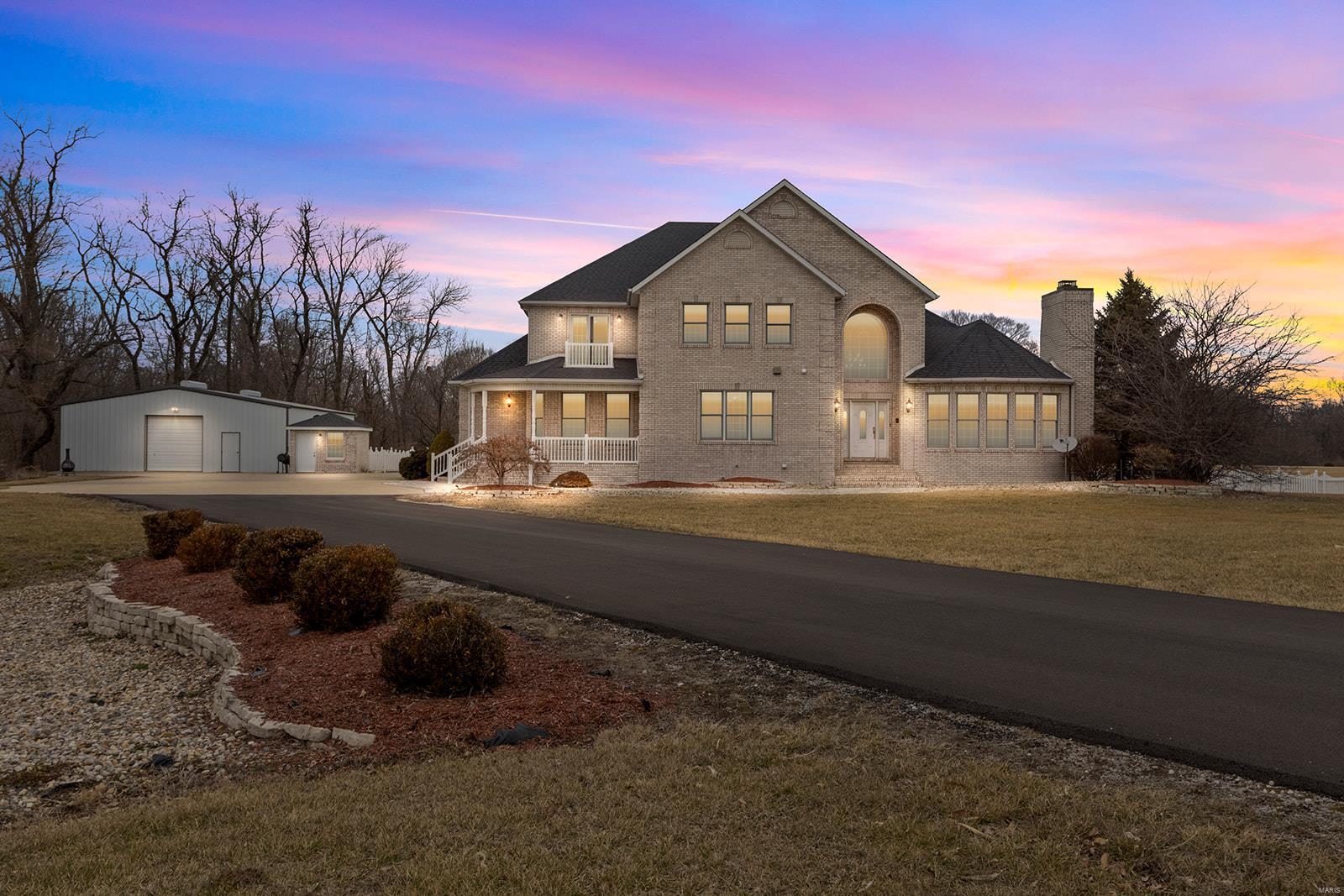 5 Jones Way Property Photo - Wood River, IL real estate listing