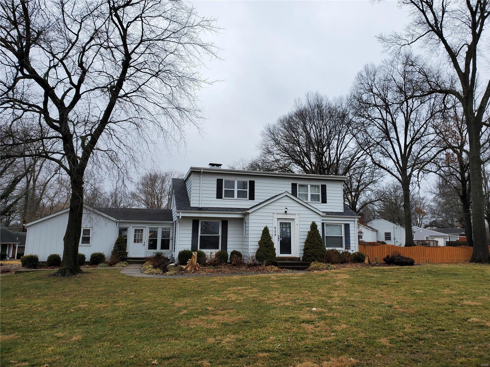 629 Garden Boulevard Property Photo - Belleville, IL real estate listing