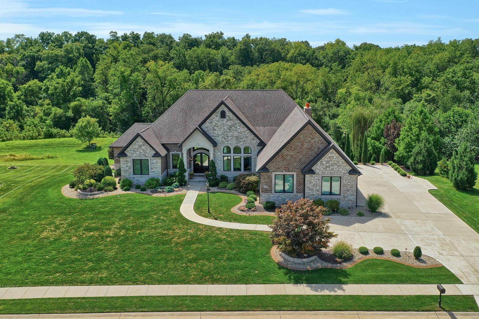 8416 Rock Ridge Property Photo - Edwardsville, IL real estate listing