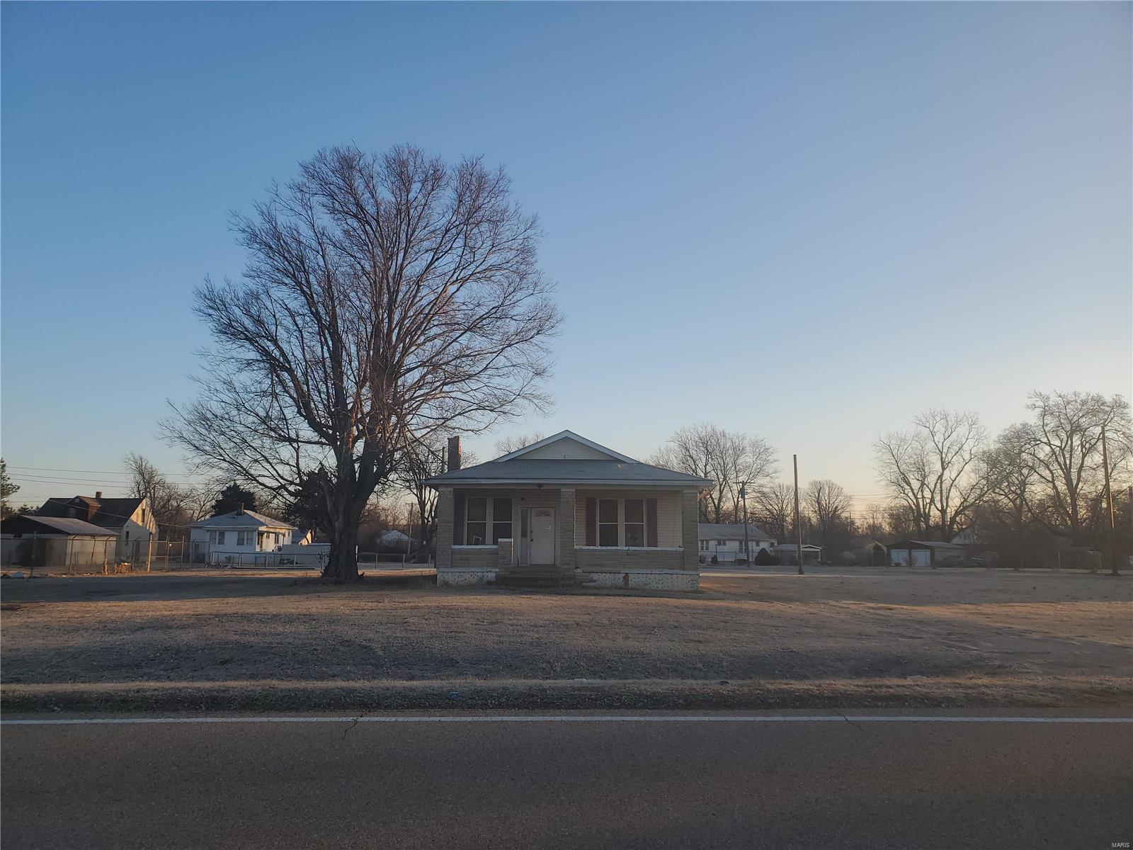 5671 Lake Drive Property Photo - East St Louis, IL real estate listing