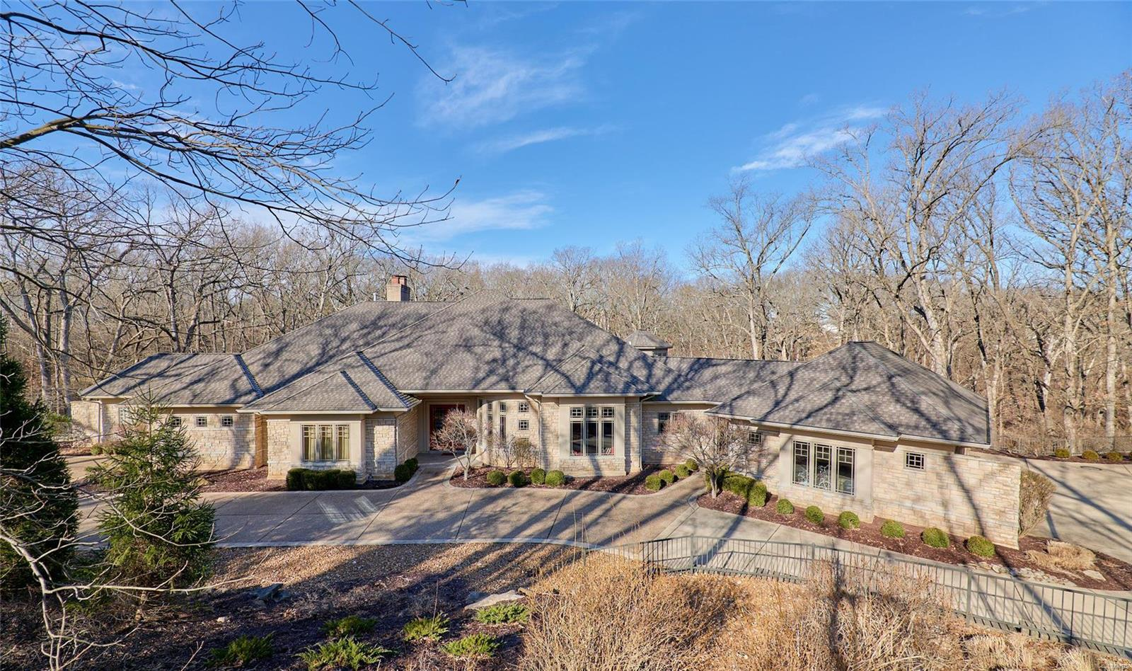 35 Chesterfield Lakes Property Photo - Chesterfield, MO real estate listing