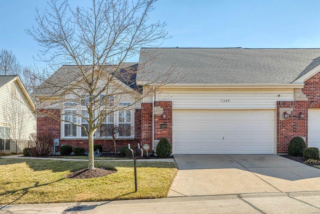 Barrett Chase Villas Real Estate Listings Main Image