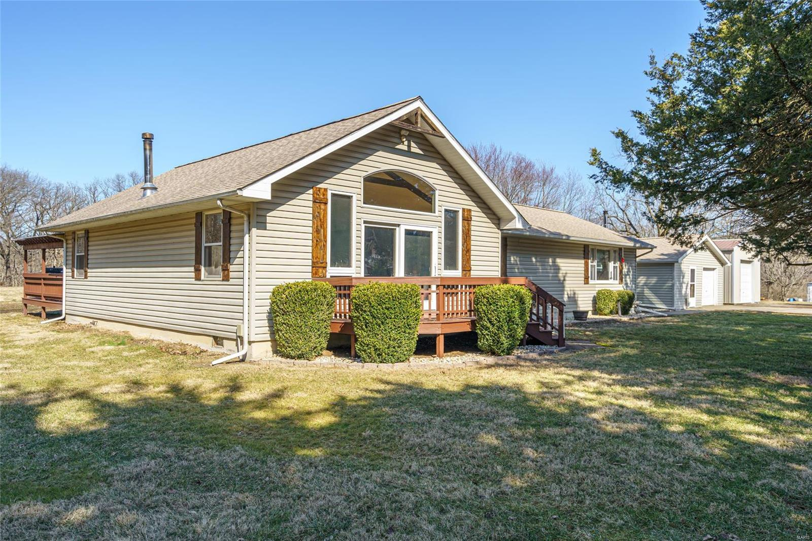 126 Arrowhead Trail Property Photo - Litchfield, IL real estate listing
