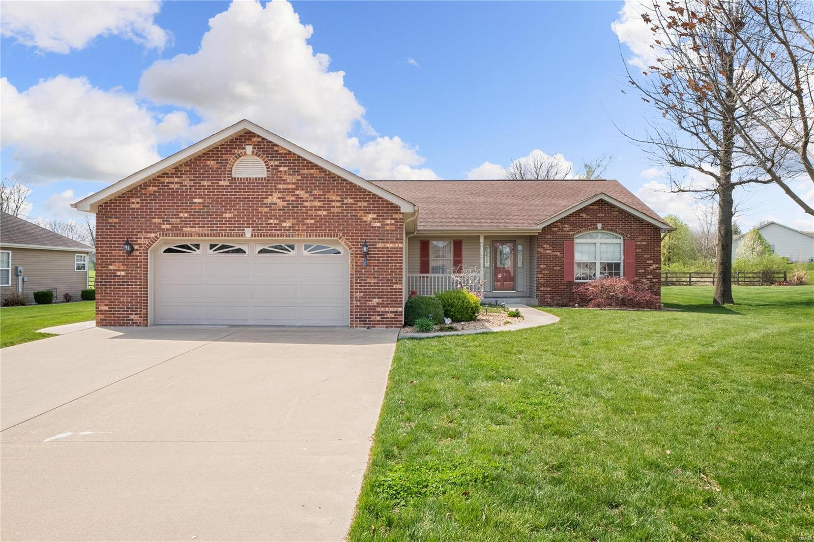 331 Willow Oak Drive Property Photo - Red Bud, IL real estate listing